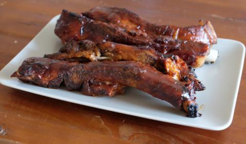 Costolette di maiale in salsa BBQ cotte nella Slow Cooker