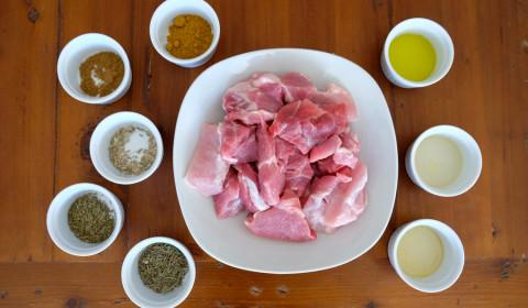 """ingredienti per """"Speziatino"""" il maiale alle spezie nella Slow Cooker"""