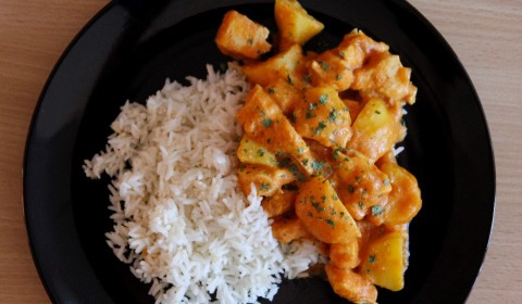 Pollo al curry cotto nella Slow Cooker
