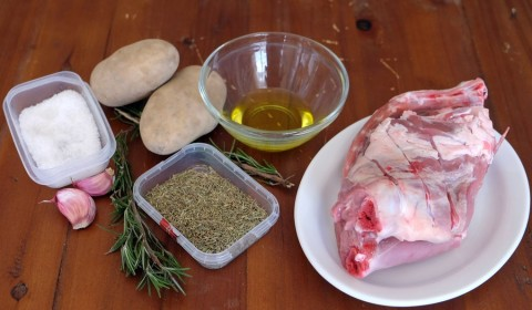 ingredienti per Cosciotto d'agnello con patate Slow Cooker