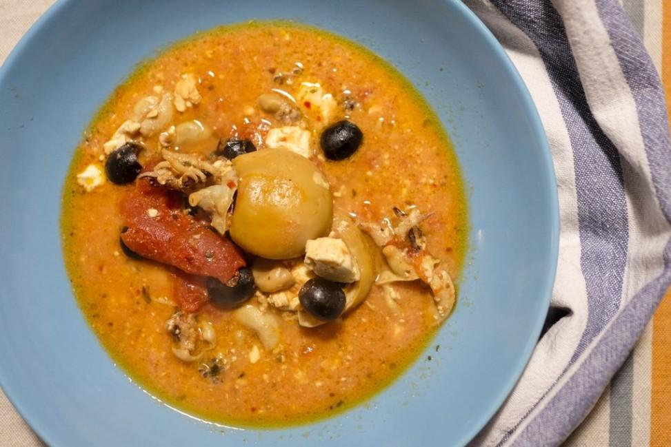 Seppioline al pomodoro con feta e olive nere cotti nella Slow Cooker