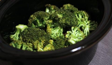 Manzo e broccoli cotti nella Slow Cooker
