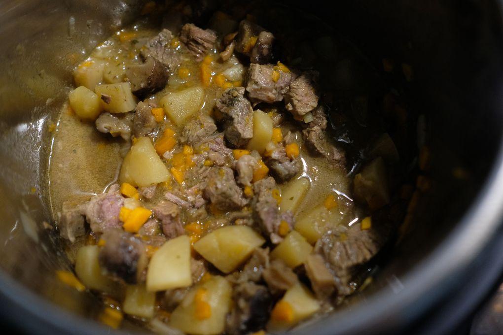 Spezzatino di manzo con patate e funghi - Ricette Slow Cooker