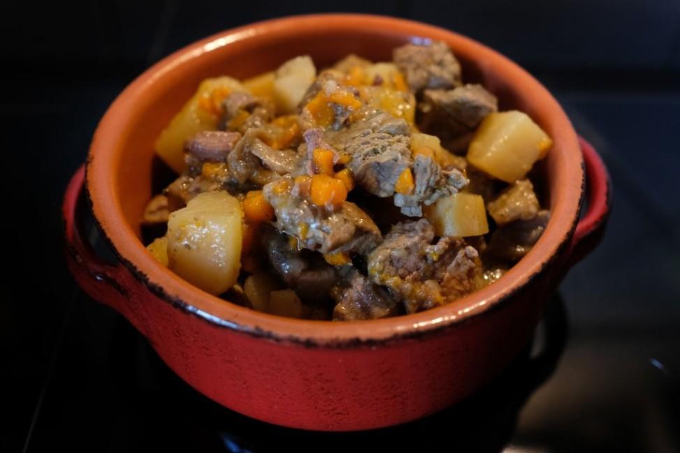 Spezzatino di manzo con patate e funghi Slow Cooker