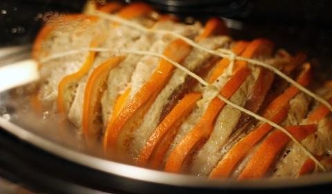 Arista all'arancia in cottura nella Slow Cooker