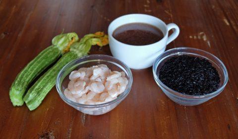 Ingredienti per ricetta riso venere con gamberetti e zucchine Slow Cooker
