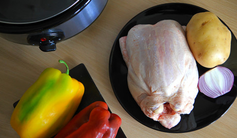 ingredienti per pollo con peperoni slow cooker