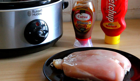 i tre ingredienti per il pulled chicken cotto nella slow cooker