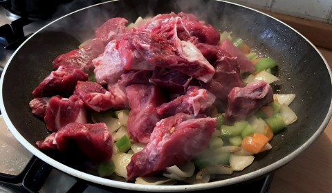 L'aggiunta della carne di manzo