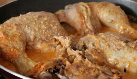 I quarti di pollo ripassati in padella a fine cottura