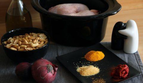 Ingredienti per pollo peruviano in salsa di arachidi cotto in Slow Cooker