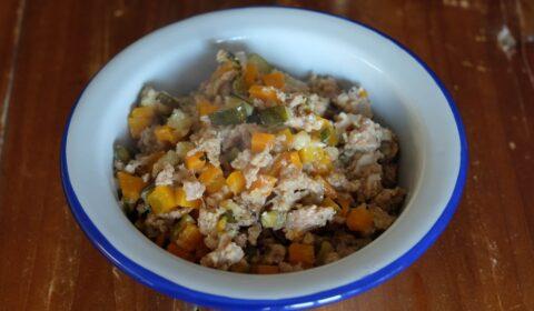 Ragù bianco di salsiccia e verdure cotto in Slow Cooker