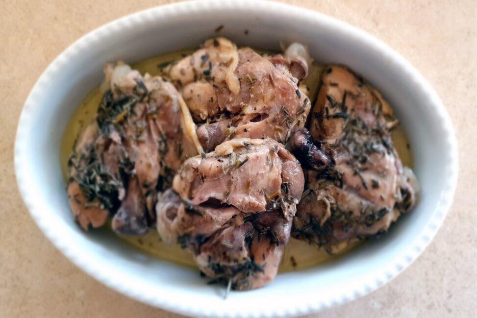 Pollo alla cacciatora in bianco cotto nella Slow Cooker