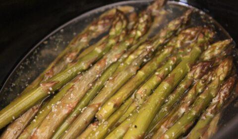 Asparagi in cottura nella Slow Cooker